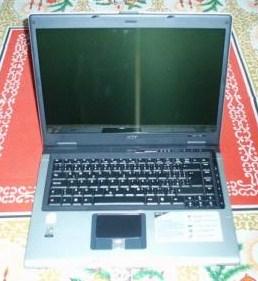 На запчасти неисправный ноутбук под разбор продам